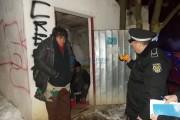 Imagini de coșmar: Poliția Locală, pe urmele boschetarilor. De această dată vor să-i ajute