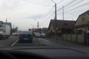 La 77 de ani un șofer beat a provocat un accident la semafor