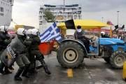 Atenţionare de călătorie în Grecia: blocaje efectuate de fermierii eleni