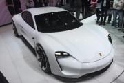 Porsche inaugurează o reprezentanţă în Cluj-Napoca