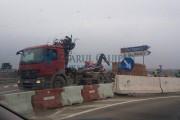 Ăsta da șofer din Sălaj! A intrat INVERS cu TIR-ul în sensul giratoriu, pe Centura Vâlcele Apahida, și a provocat un accident