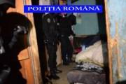 VIDEO - Mascații i-au săltat! Doi tineri au ajuns în arest după ce au vrut să omoare un bătrân de 88 de ani din județul Cluj