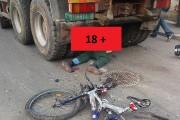 IMAGINI 18+ Biciclist accidentat mortal de o basculantă, în Florești