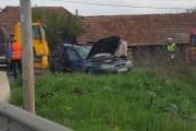 FOTO - Accident teribil la Răscruci. Mașină lovită de un autocamion, o persoană rănită