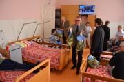 FOTO - Acţiune de caritate derulată în trei centre pentru persoane vârstnice aflate în subordinea Consiliului Judeţean Cluj
