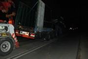 FOTO - La un pas de tragedie! Un TIR de 40 de tone s-a dezintegrat pe un drum din Cluj