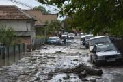 Străzi inaugurate de Boc, lacuri după ultima ploaie. Cum comentează edilul