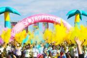 Cluj-Napoca se transformă în insula bucuriei dintr-un ocean liniștit! 3.000 de alergători pe curcubeul The Color Run România
