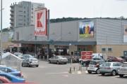 FOTO - Protecția Consumatorilor Cluj a sancționat Kaufland Mănăștur, după ce un client a susținut că a fost furat la case. Ce amendă a primit magazinul