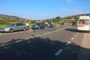 FOTO/VIDEO - Accident în lanț la Rădaia. Trei mașini au fost avariate, a fost nevoie de medici