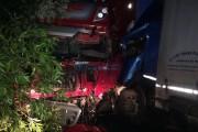 FOTO - Accident teribil la Gârbău! Două autocamioane s-au ciocnit frontal