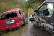 FOTO/VIDEO - Accident grav la Păniceni! Impact între un autoturism, un microbuz și un autocar, 4 persoane rănite