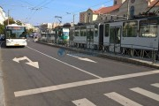 Șofer beat, cu mașina într-un refugiu de tramvai