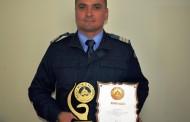 Adrian Petre, jandarmul clujean care a ajuns în Cartea Recordurilor pentru flotări pe dosul palmelor