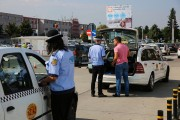 Taximetriști amendați