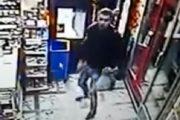 VIDEO - Hoțul care l-a bătut pe clujeanul cu spirit civic a ajuns în arest