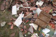 O nouă depozitare ilegală de deșeuri, depistată de Poliția Locală