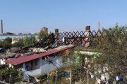 FOTO/VIDEO - 80 de persoane au rămas fără acoperiș pe case, la Câmpia Turzii, din cauza unui incendiu