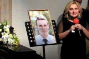 FOTO/VIDEO - Sute de persoane, în lacrimi la înmormântarea parașutistului Vlad Lupaș