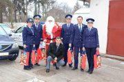 FOTO - Moș Crăciun, ajutat de polițiștii clujeni să ajungă la cei nevoiași