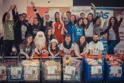 FOTO - Final de campanie! Nepoții de Crăciun culeg roadele-zâmbetele bunicuților