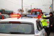 Femeie spulberată de o mașină, pe o trecere de pietoni de pe strada Traian Vuia