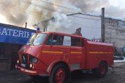 UPDATE - FOTO - Incendiu la mai multe imobile din Gherla