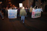 UPDATE - FOTO/VIDEO - Mii de clujeni au ieșit din nou în stradă împotriva ordonanțelor privind grațierea și amnistia