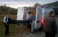Accident mortal lângă Morlaca. Un autoturism a intrat sub un TIR, șoferul a decedat