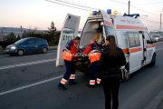 Pieton accidentat grav de o mașină pe podul de la lra