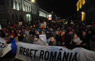 Gara Cluj-Napoca ar putea fi luată cu asalt de protestatari, sâmbătă seara. Studenții pleacă la București