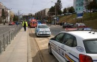 VIDEO - Femeie accidentată de tramvai pe o trecere de pietoni de pe strada Primăverii