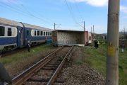FOTO - Accident feroviar la Jucu de Mijloc