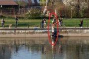 VIDEO - Operațiune dramatică de salvare pe Someș. Au făcut frânghie umană pentru a ajunge în apă