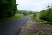 Au fost finalizate lucrările de asfaltare pe drumul judeţean DJ 109E Viile Dejului – Cetan – Vad