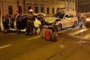 FOTO - Un BMW-ist cu alcoolemie foarte mare a făcut prăpăd la Regionala CFR. Patru răniți