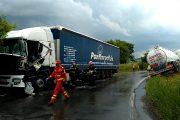 VIDEO - Doi TIR-iști bihoreni, accident în Cluj, la Viștea