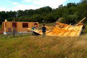 VIDEO - Prăpăd în Cluj după furtuna de joi. Un bărbat a fost strivit de acoperișul cabanei sale. Vezi și alte exemple de nenorociri!