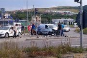 VIDEO - Accident la Metro! Un șofer și-a zdrobit mașina în impactul cu un stâlp metalic