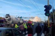 VIDEO - Accident mortal în Mărăști. Bărbat omorât pe loc de un autocamion