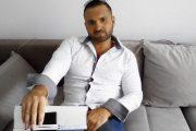 VIDEO - Florin Abrudan, fostul jandarm clujean care a făcut scandal, reținut de polițiști