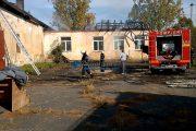 VIDEO - O școală din Gilău, propusă pentru demolare, a fost incendiată