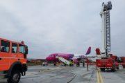FOTO - Scenariul unui accident de aviație, jucat pe Aeroportul Internațional Avram Iancu Cluj