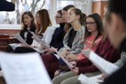 """Concert coral de Crăciun la Colegiul de Muzică """"Sigismund Toduță"""". Cum a fost la repetiții - VIDEO"""