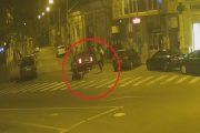 VIDEO – Bătaie în plină stradă la Dej. Trei tineri au ajuns în arest după ce l-au bătut rău pe un bărbat
