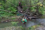 FOTO - Exercițiu de salvare din plan vertical în Cheile Turzii