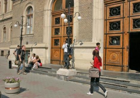 MEN a aprobat Metodologia de evaluare a studiilor universitare de doctorat şi a sistemelor de criterii, standarde şi indicatori de performanţă