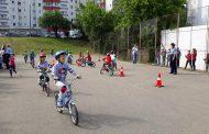 """FOTO - Micuții de la grădinițele """"Licurici"""" şi """"Albinuţa"""" au primit lecții de educație rutieră"""