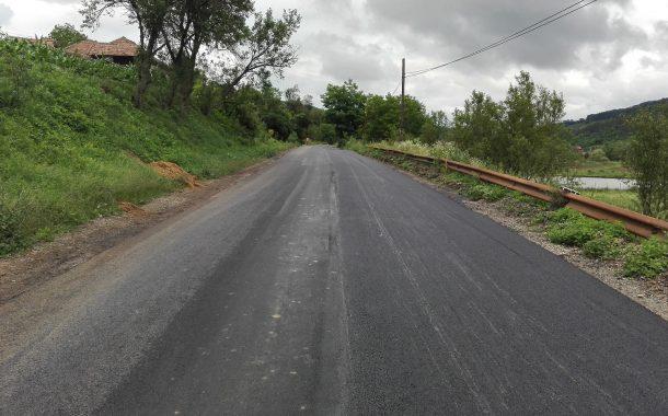 Lucrări de asfaltare pe drumul județean Fizeșu Gherlii – Sântioana - Ţaga
