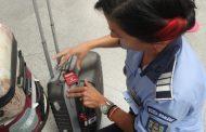 """FOTO - ,,Nu mă las furat!"""", campanie în Aeroportul Cluj-Napoca. Sfaturile polițiștilor de la prevenire"""